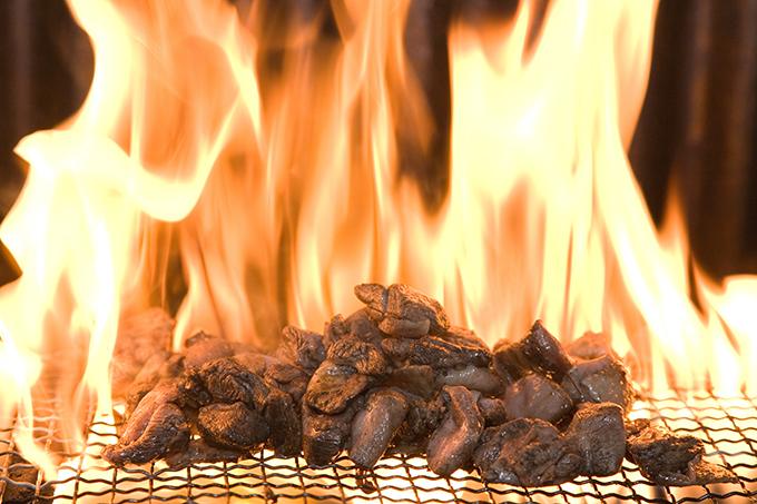 業務用で人気の地鶏製品「鶏炭火焼レアー」