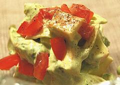スモークチーズとアボカドのサラダ