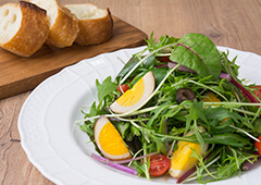 たまご燻製のイタリアン野菜サラダ