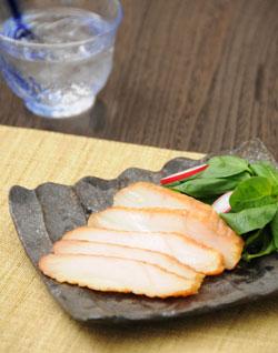 みやざき地頭鶏くんせいは宮崎空港店でも人気です