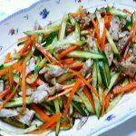 ヘルシーで美味しい!!鶏せせり香草焼のサラダ