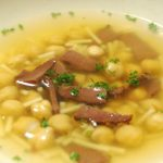 スペインの味を食卓に。パストラミビーフとヒヨコ豆のスープ
