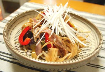 鶏ももくんせいの中華風マリネ