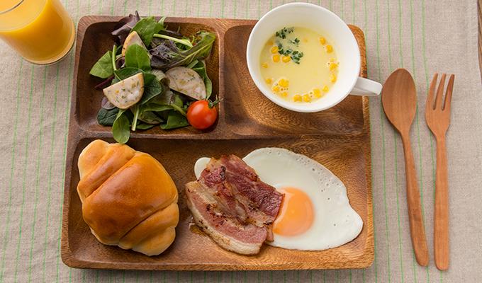 朝食プレート(ベーコンとオリーブin鶏ささみハム編)