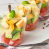 スモークチーズのカップサラダ